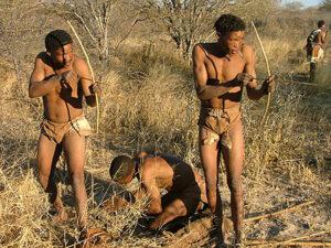 Vânătorii unui trib izolat recent descoperit.