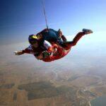 Paraşutismul, o reacţie în lanţ împotriva banalului.
